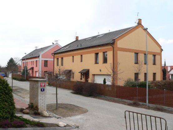 12 RD Praha Hostivař